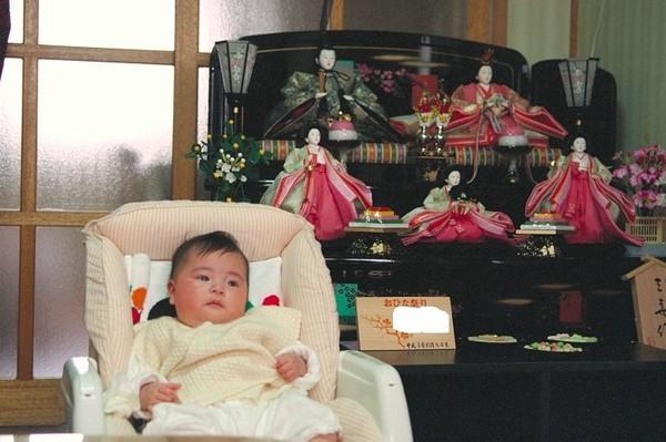 ひな祭り 令名 平成4年10月8日生まれ.jpg