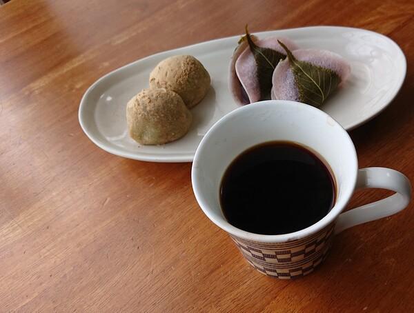 珈琲と桜餅  完成.jpg