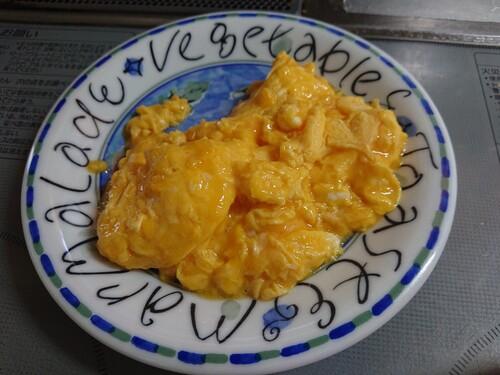半熟卵を取り出す.jpg